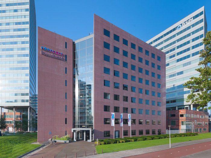 Kunst- en vliegwerk hoofdkantoor Bouwinvest Amsterdam